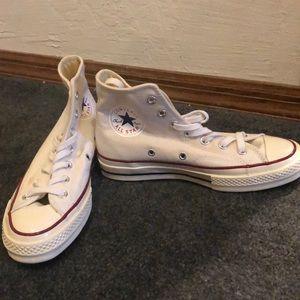 Size 6.5 converse (run a bit bigger)